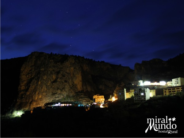 Ayna_de_noche_desde_el_rio2 - Miralmundo