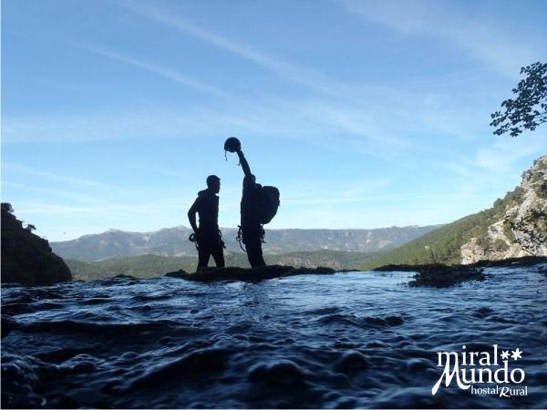 ¿Qué son los chorros del río Mundo?
