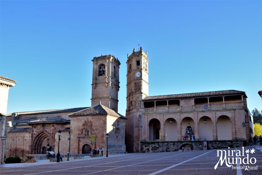 Alcaraz-torres-plaza-mayor-Miralmundo