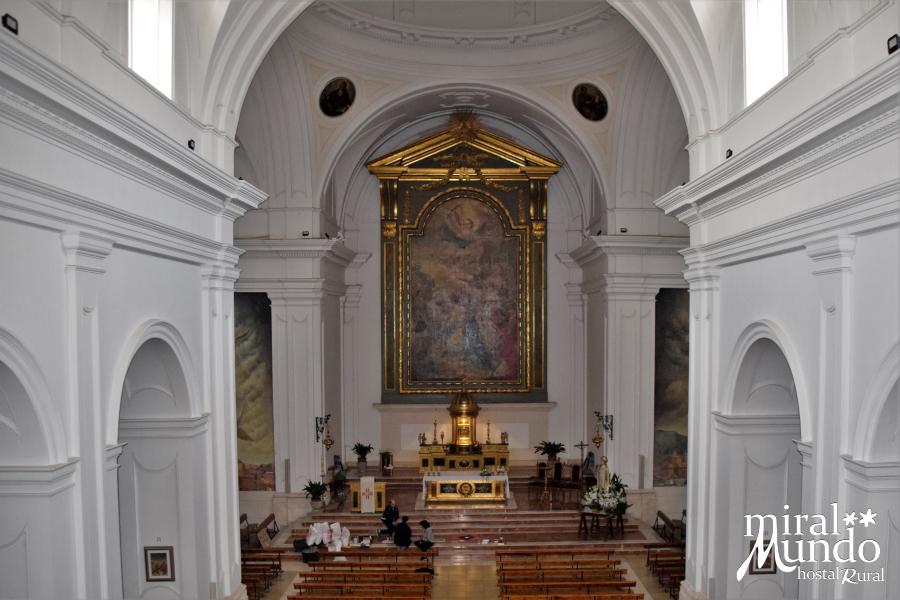 Elche-de-la-Sierra-Iglesia-interior-Miralmundo