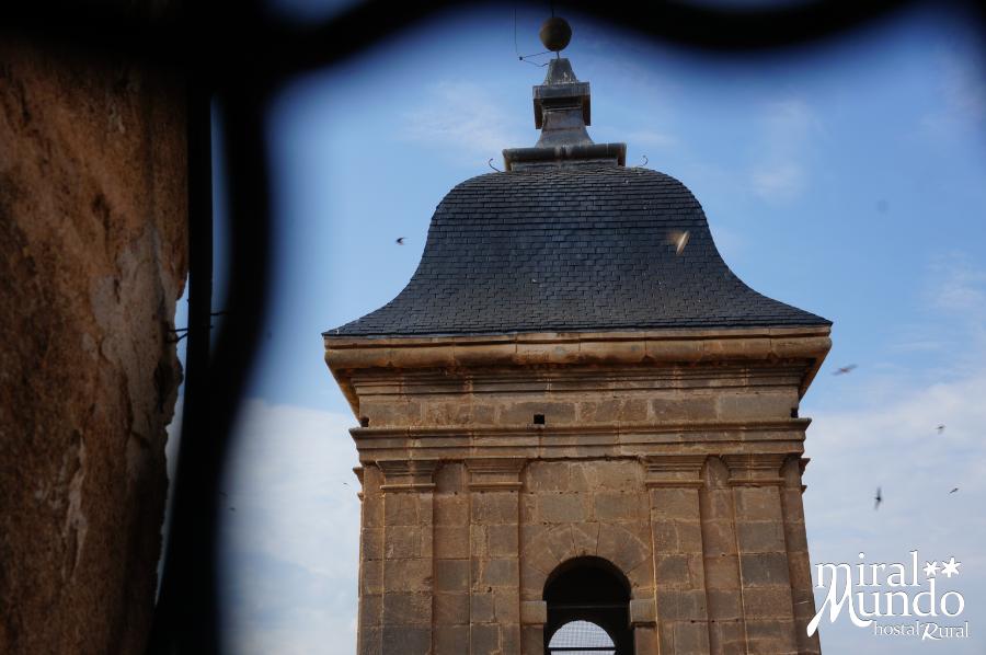 Elche-de-la-Sierra-Iglesia-torre-Miralmundo