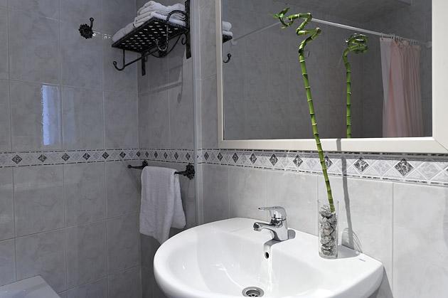 Baño en habitación doble - MIralmundo hotel rural en Aýna Albacete