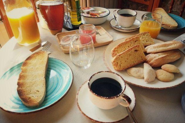 Miralmundo-desayuno-con-vistas-Hotel-Rural-Albacete