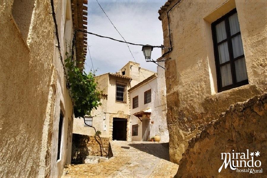 Letur-casco-historico-barrio-mudejar